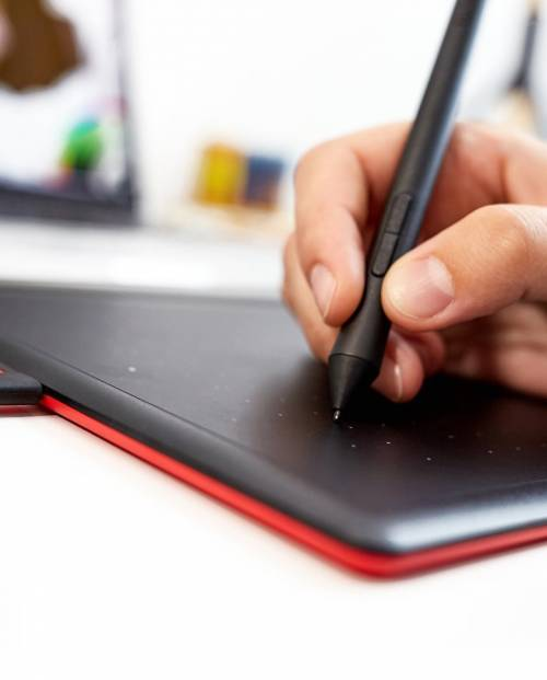 Buy One by Wacom CTL-672/K0-CX Graphics Tablet Online at